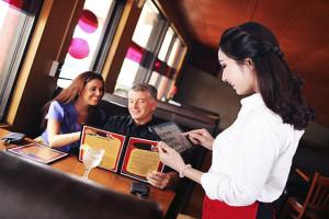 Quy trình phục vụ ăn uống trong nhà hàng, quán ăn – nhân viên cần biết